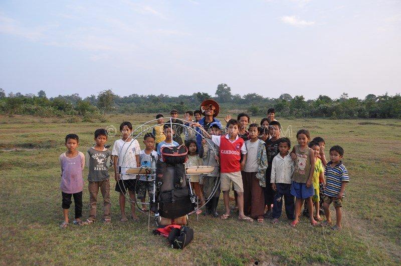 Ninos en Camboya