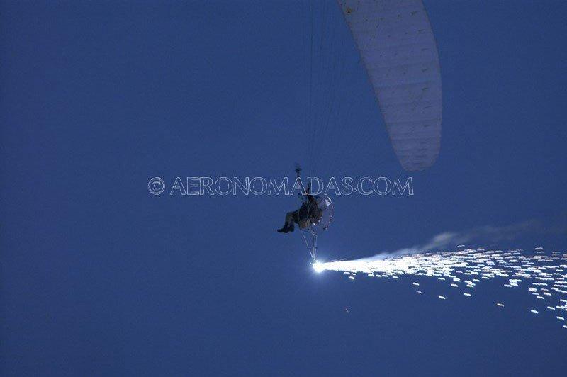 volando-piro-cascada